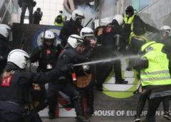 Sarı Yelekliler Brüksel'i karıştırdı